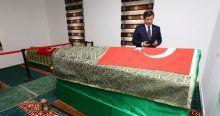 Davutoğlu, Süleyman Şah Saygı Karakolu'nu ziyaret etti