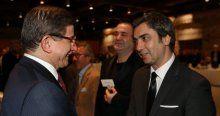 Davutoğlu'nun 'Dost Meclisi Yemeği'