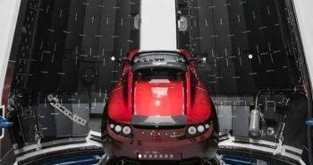 Elon Musk, Mars'a göndereceği Tesla'nın yeni fotoğraflarını paylaştı