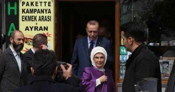 Erdoğan gördüğü gibi arabasından indi!