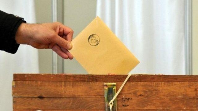 AK Parti'den istifa etti, bağımsız aday oldu