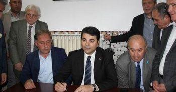 DP Genel Başkanı Uysal, Akşener için imza verdi
