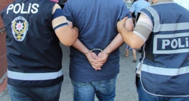 O partide deprem! Başkan FETÖ'den tutuklandı