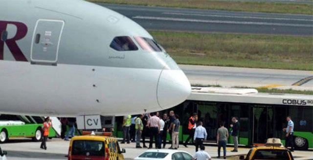 Atatürk Havalimanı'nda hareketli anlar! Yolcu bakın ne yaptı?