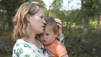 Oğlunu arı soktu sanmıştı! Korkunç gerçek morarınca ortaya çıktı