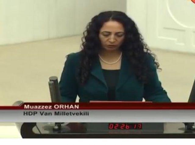 Yemin metnini kısık sesle okuyan HDP milletvekili, Meclis'te büyük tepki topladı
