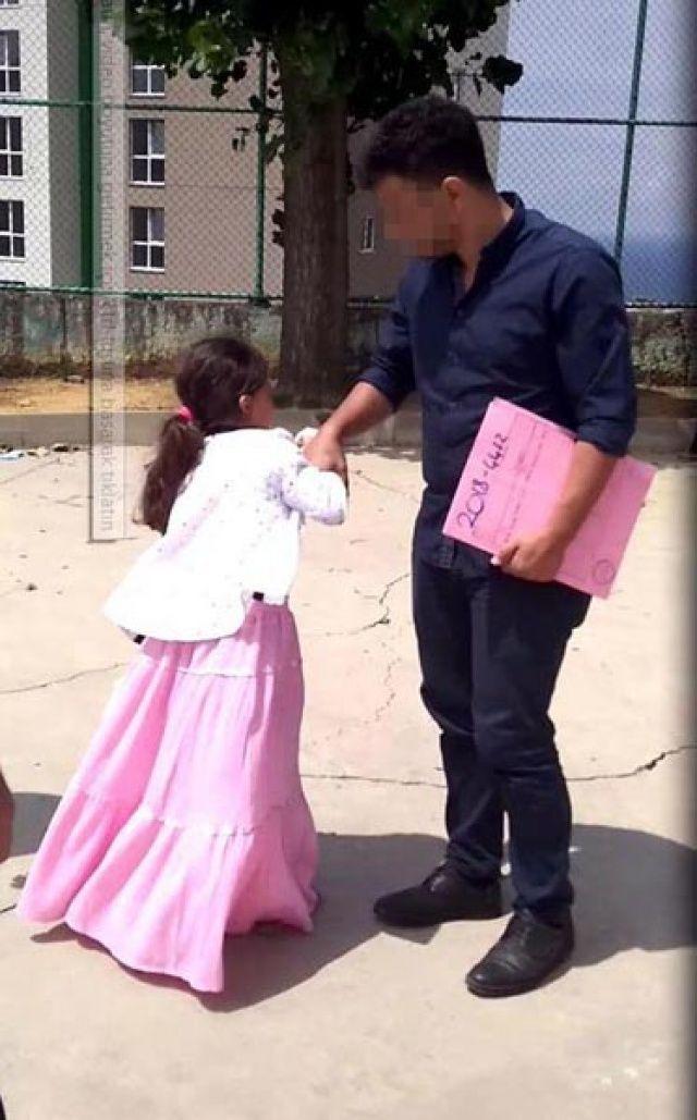 Küçük kız çocuğuna icra geldi!
