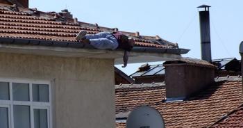 Çatıda uyuya kaldı, sonrası korkunç!