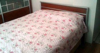 Yatağın örtüsünü kaldırdığında hayatının şokunu yaşadı