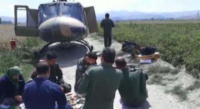 Helikopter tarlaya inince köylüler bakın ne yaptı?