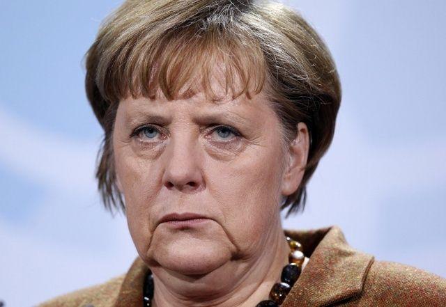 Merkel'e Mesut Özil darbesi