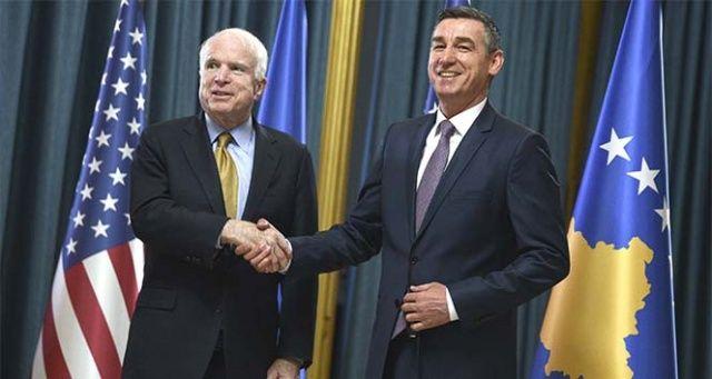 ABD'li senatör McCain hayatını kaybetti