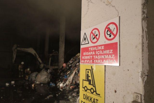 Tuzla'da Organize Sanayi Bölgesi'nde korkutan yangın