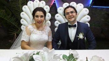Düğün davetiyelerindeki fotoğrafı gören inanamadı