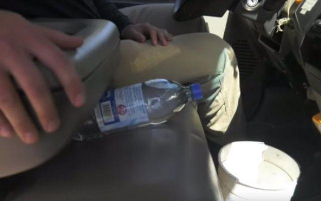 Şişeyi arabada bu şekilde bırakmayın, başınız yanabilir!