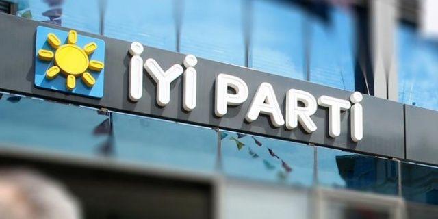 İYİ Parti'de istifa depremi sürüyor