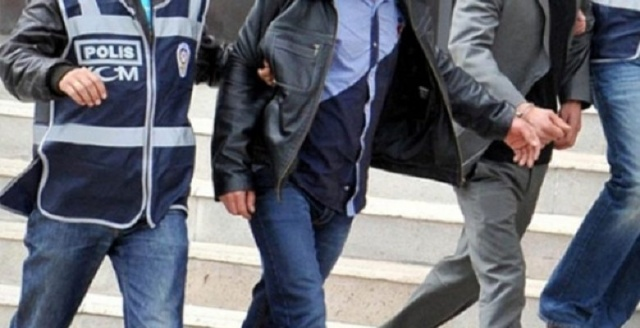 Dolarlarıyla yakalanan FETÖ'cü tutuklandı