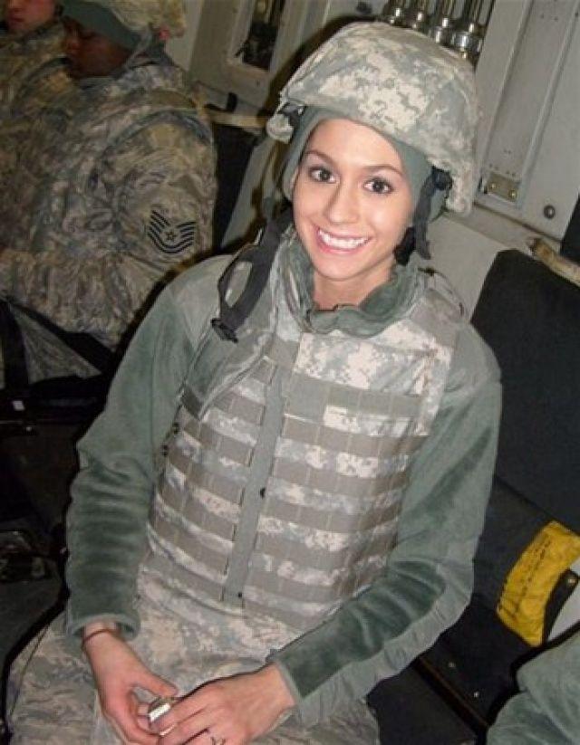 Kadın asker sosyal medyayı salladı! Bir anda fenomen oldu...