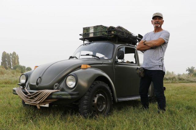 Hitler'in savaş otomobilini 33 bin TL'ye yeniden topladı