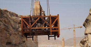 380 tonluk tarihi kale kapısı böyle taşındı