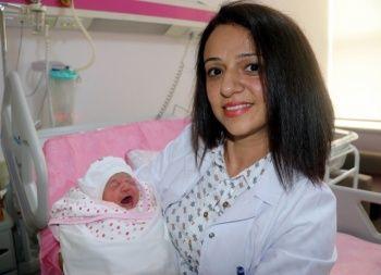 Bebeğin ağzını gören doktorlar şoke oldu