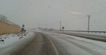 Görüntüler bugün çekildi! Yollar beyaza büründü...