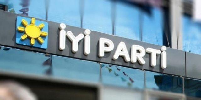 İYİ Parti'de istifa depremi...