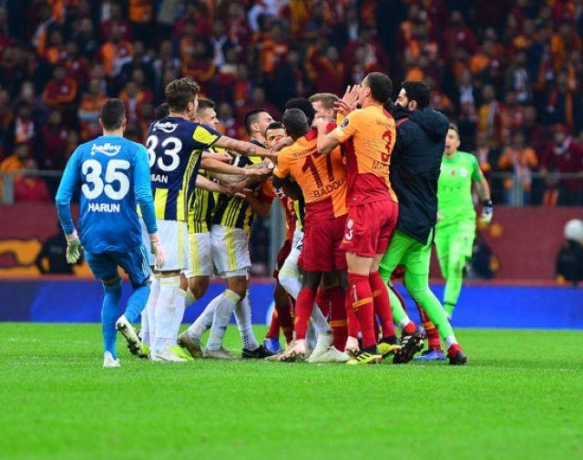 Galatasaray'a ağır fatura! 14 maç ceza...