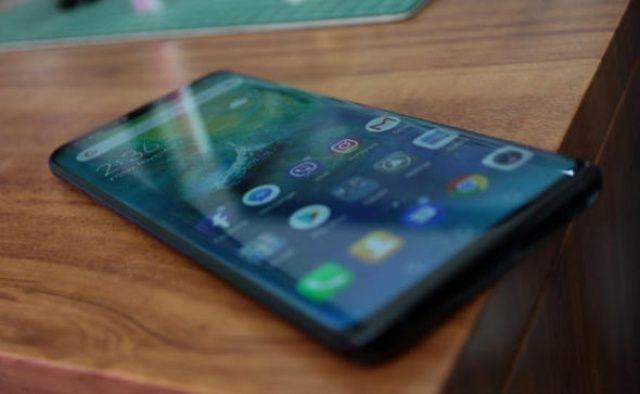 Çinli teknoloji devinin telefonu Türkiye'de satışa çıktı, fiyatı şaşırttı