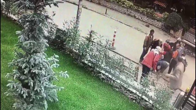 Kadıköy'de garip olay! Bir anda betona gömüldüler...