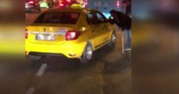 Rezaletin böylesi! Taksici kameralara yakalandı
