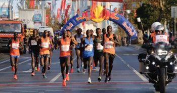 Vodafone İstanbul Maratonu koşuldu! Rekorla kazandılar