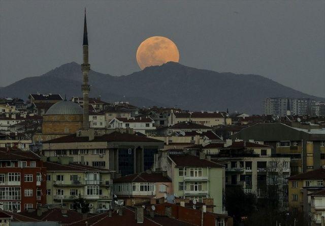 """""""Süper Ay"""" Türkiye'den böyle gözlendi"""