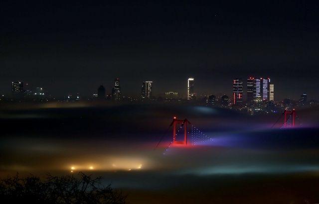 İstanbul'da sis manzaraları! Köprü bile görünmez oldu
