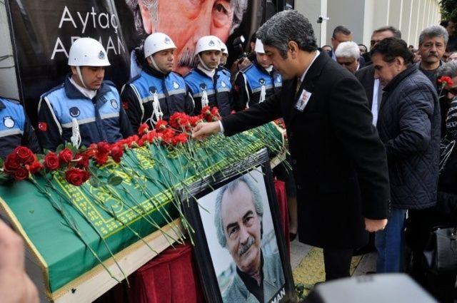 Usta oyuncu Aytaç Arman Adana'da son yolculuğunu uğurlandı