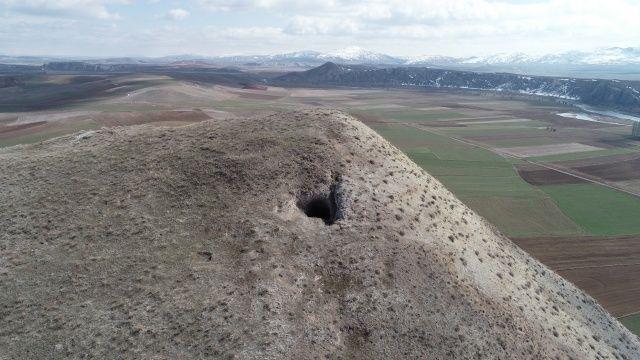 Sivas'taki Delik Tepe gizemini koruyor