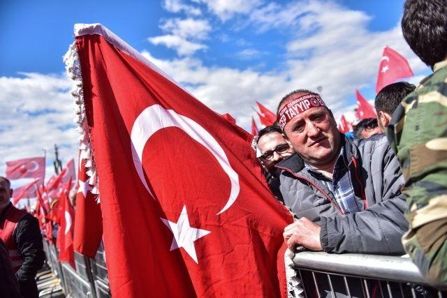 'Büyük İstanbul Mitingi'nden renkli görüntüler