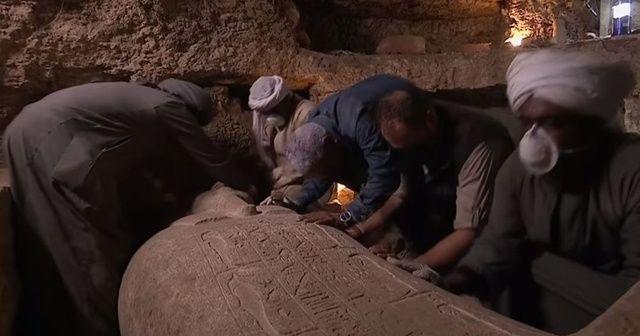 Mısır'da canlı yayında mumya lahiti açıldı