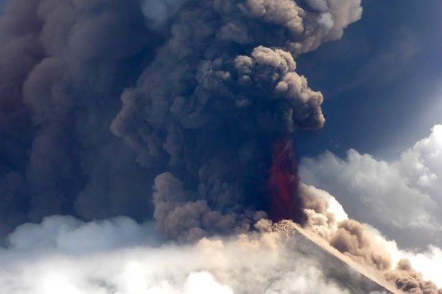 NASA paylaştı: Raikoke volkanı patlaması uzaydan görüntülendi