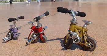 Rus turist Taksim'de 8.5 santimlik bisikletiyle ilgi odağı oldu