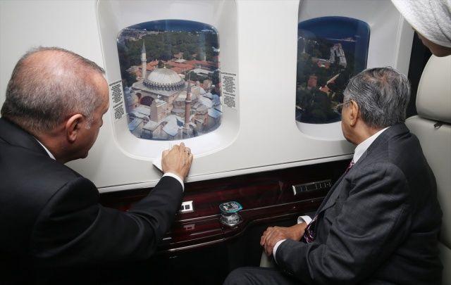 Cumhurbaşkanı Erdoğan, Malezya Başbakanı'na İstanbul'u havadan tanıttı