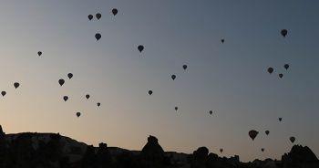 Kapadokya'da kartpostallık balon manzaraları