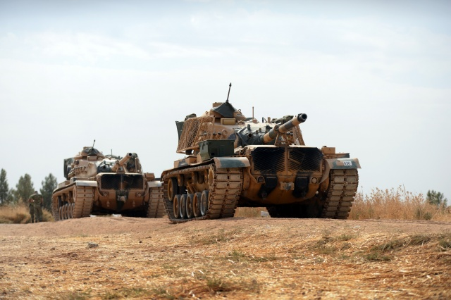 Tanklar namlularını terör hedeflerine çevirdi