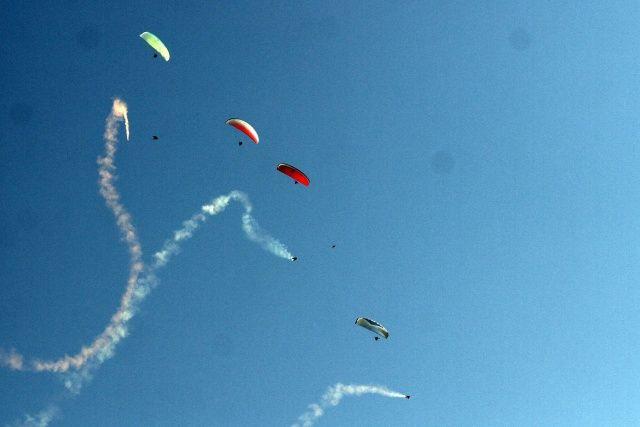 Ölüdeniz Hava Oyunları Festivalinin son gününde nefes kesen gösteriler