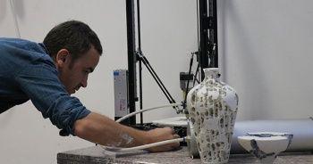 Geçmişi insanlık tarihine dayanan seramik sanatını, 3 boyutlu yazıcıyla birleştirdi