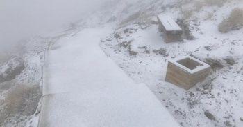 Nemrut Dağı'na mevsimin ilk karı düştü