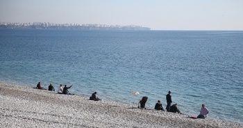 Antalya'da aralıkta deniz keyfi