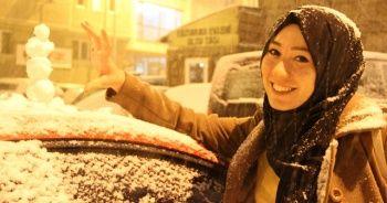 Lapa lapa kar kenti beyaza bürüdü