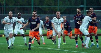 Başakşehir, Hollanda takımına 3-0 mağlup oldu