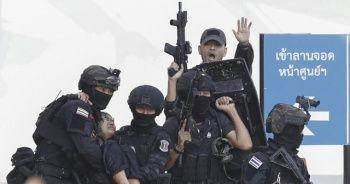 Alışveriş merkezinde katliam yapan asker öldürüldü